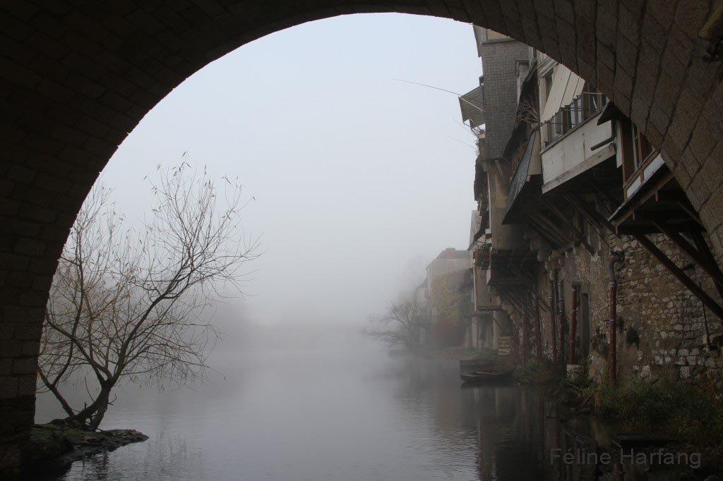 sous le vieux pont d'argenton le 9 décembre 2015