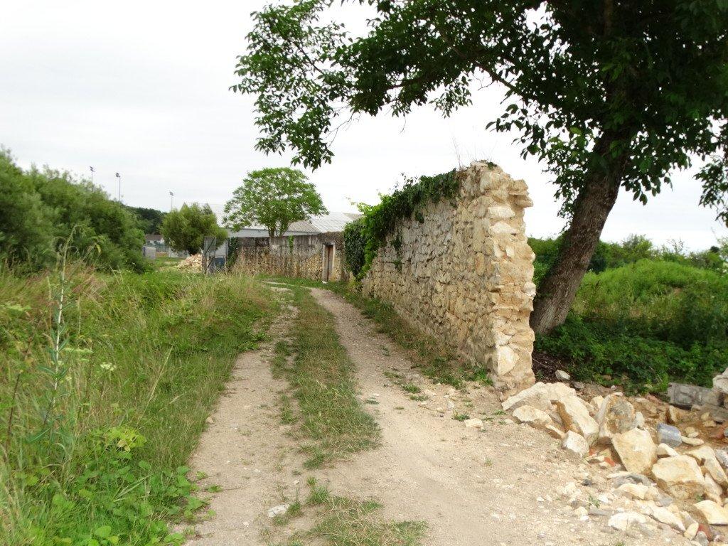 pourquoi détruire un mur de pierre